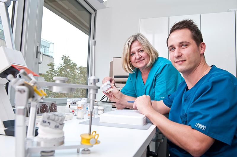Implantologie aus einer Hand